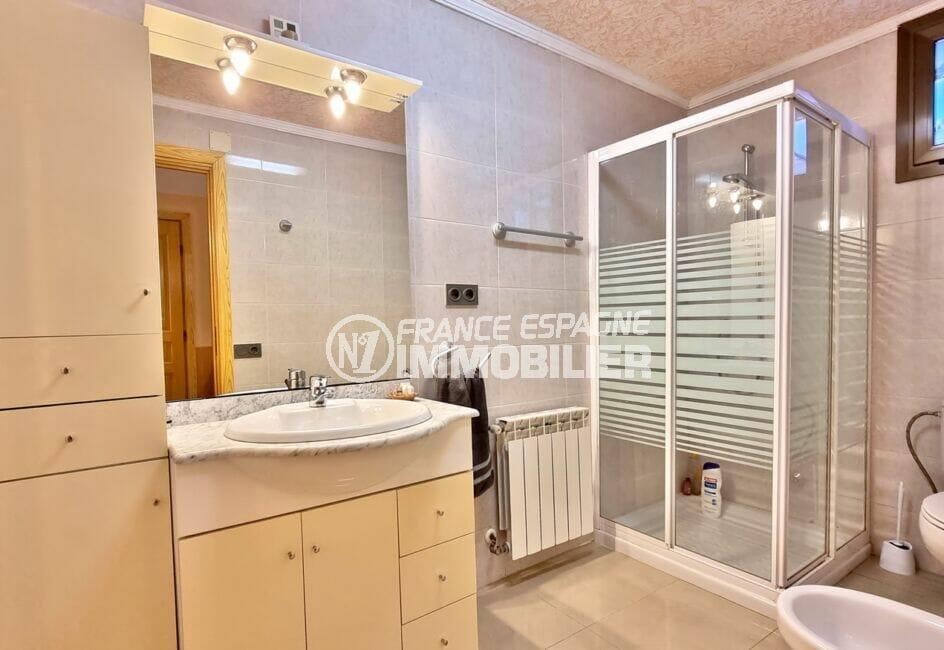 acheter maison costa brava, 169 m² sur terrain de 420 m², 1° salle d'eau avec douche et wc