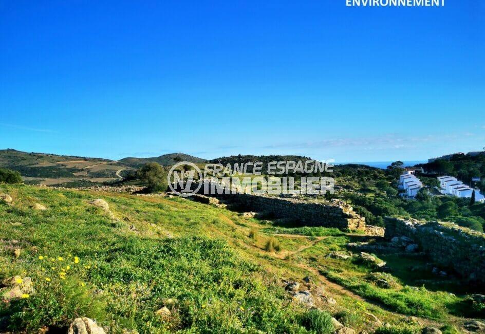 belle randonnée permettant de profiter de vues superbes sur les montagnes et la mer