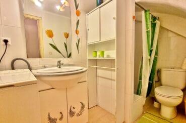vente empuriabrava: villa 93 m² 2 chambres, salle d'eau avec toilettes et branchements lave linge