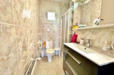 immocenter roses: villa 136 m² 4 chambres, salle d'eau avec douche et wc