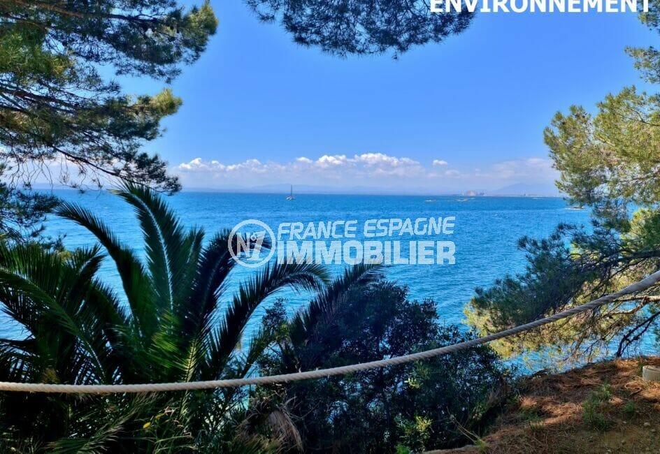sentiers sauvages le long de la mer pour une belle randonnée, superbes paysages