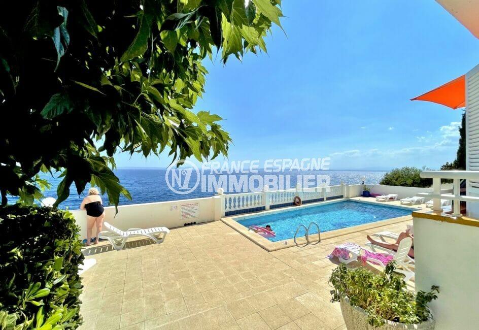vente immobiliere costa brava: appartement 3 pièces 60 m² front de mer, pisince communautaire