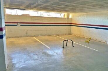 immo empuria: appartement 128 m² 50 m de la plage, avec parking  en sous sol