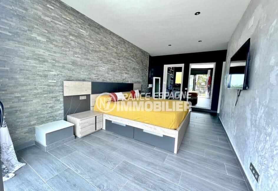 immobilier costa brava vue mer: villa 215 m², suite parentale avec armoires encastrées
