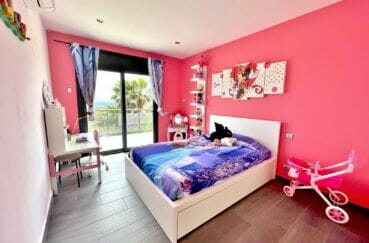 vente immobilier espagne costa brava: villa 215 m², 2° chambre enfant double avec terrasse