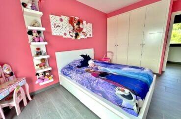 costa brava immobilier: villa 215 m², 2° chambre enfant double, armoire encastrée