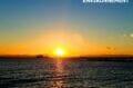 la plage de roses, beau coucher de soleil sur la mer avec des tons magnifiques