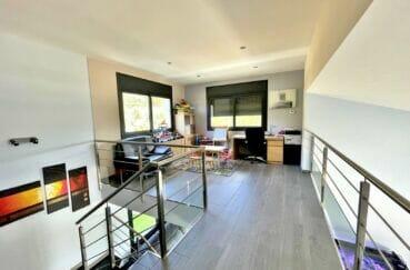 costa brava maison a vendre, 215 m², au 1° étage, mezanine, espace coin bureau