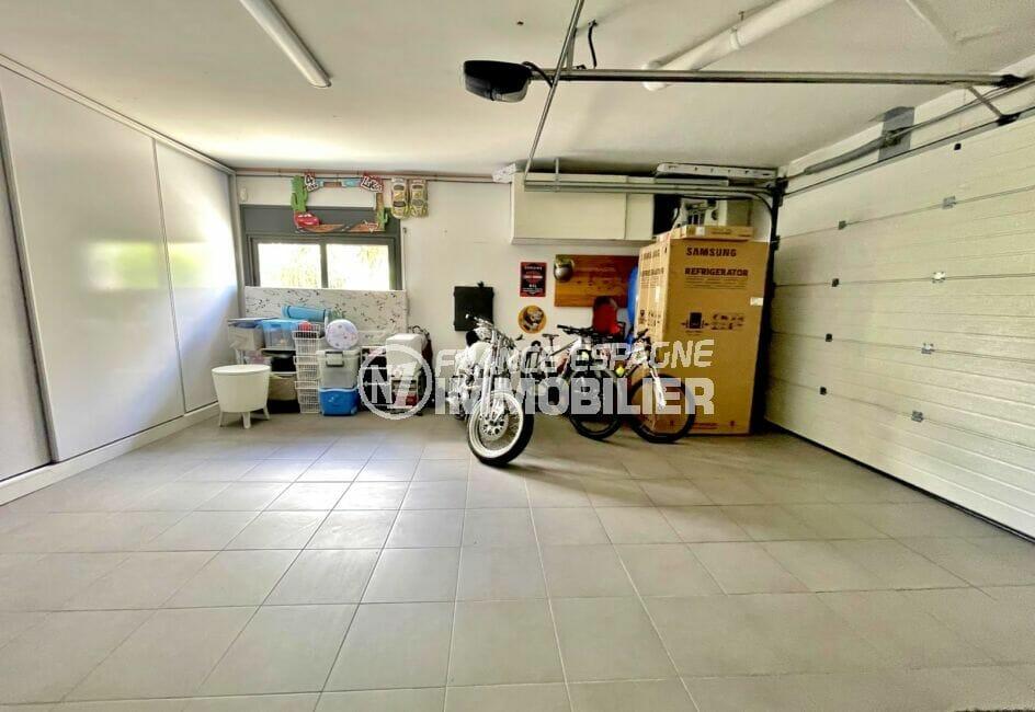 acheter sur la costa brava: villa 215 m², garage avec tout le long armoire coulissante encastrée