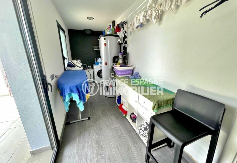 acheter une maison sur la costa brava, 215 m² avec piscine, buanderie avec machine à laver