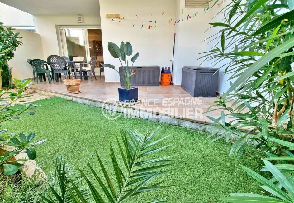 immo roses: appartement 2 chambres 81 m², terrasse 18 m² et jardin 17 m², accès direct piscine