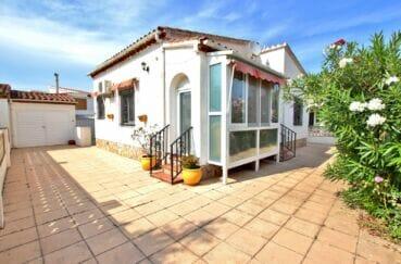 achat villa costa brava, 2 pièces 81 m², garage 15 m² et parking cour intérieure