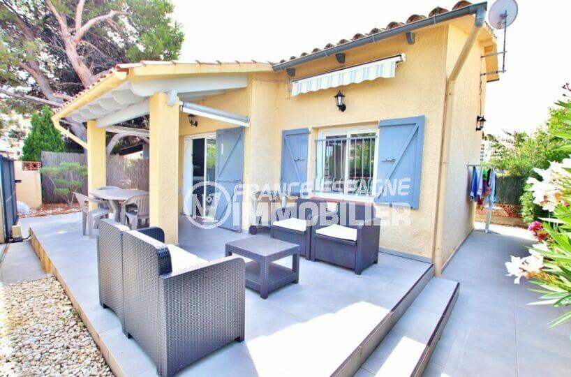 achat maison rosas, 3 chambres sur terrain 190 m², parking cour intérieure