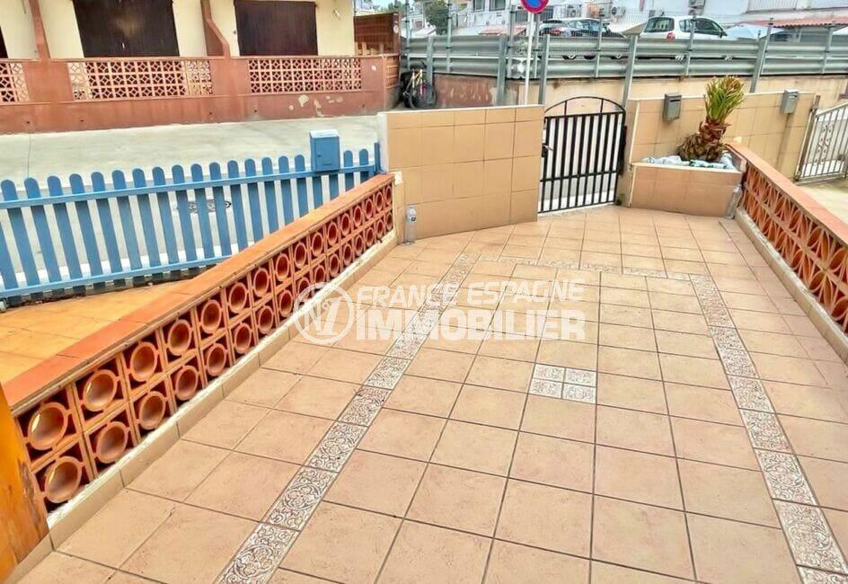 maison a vendre empuria brava, 2 chambres 46 m², avec grande terrasse à l'entrée