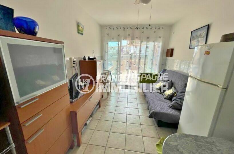 vente maison empuriabrava, 2 chambres 46 m², séjour avec accès terrasse