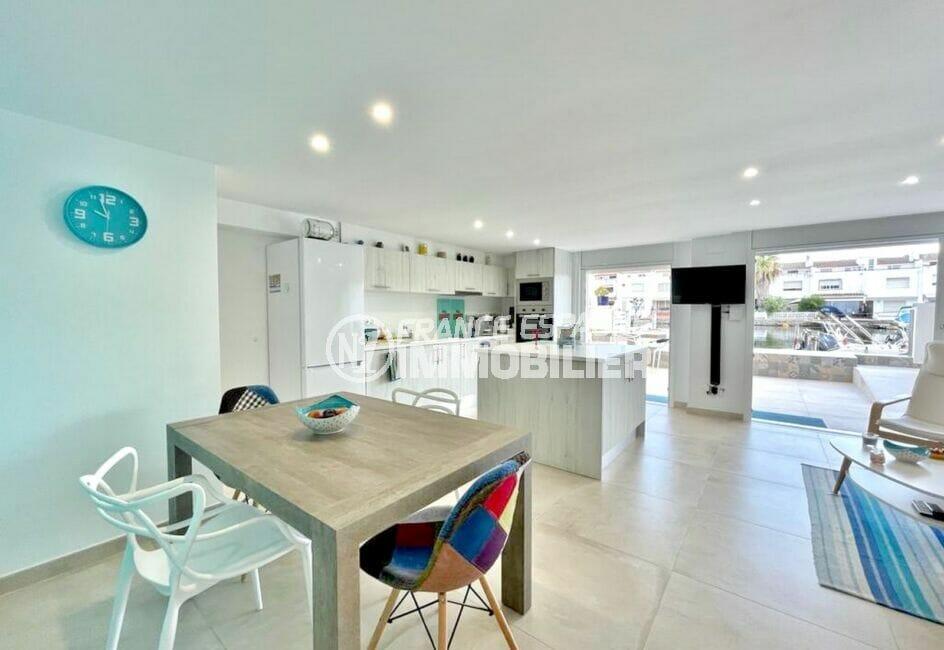 appartement a vendre empuriabrava, 2 chambres 53 m², salon / salle à manger accès terrasse