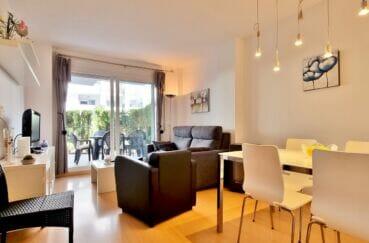appartements a vendre a rosas, 2 chambres 81 m², séjour / salle à manger avec accès terrasse