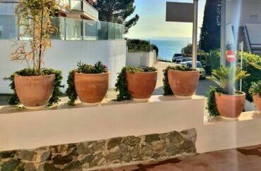 maison a vendre a rosas, 3 chambres 140 m², petite vue mer, à 100 m de la plage