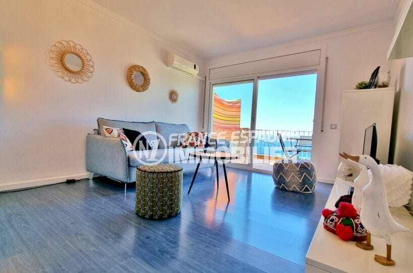 achat appartement rosas, atico 2 chambres 48 m², séjour avec accès terrasse exposition sud ouest