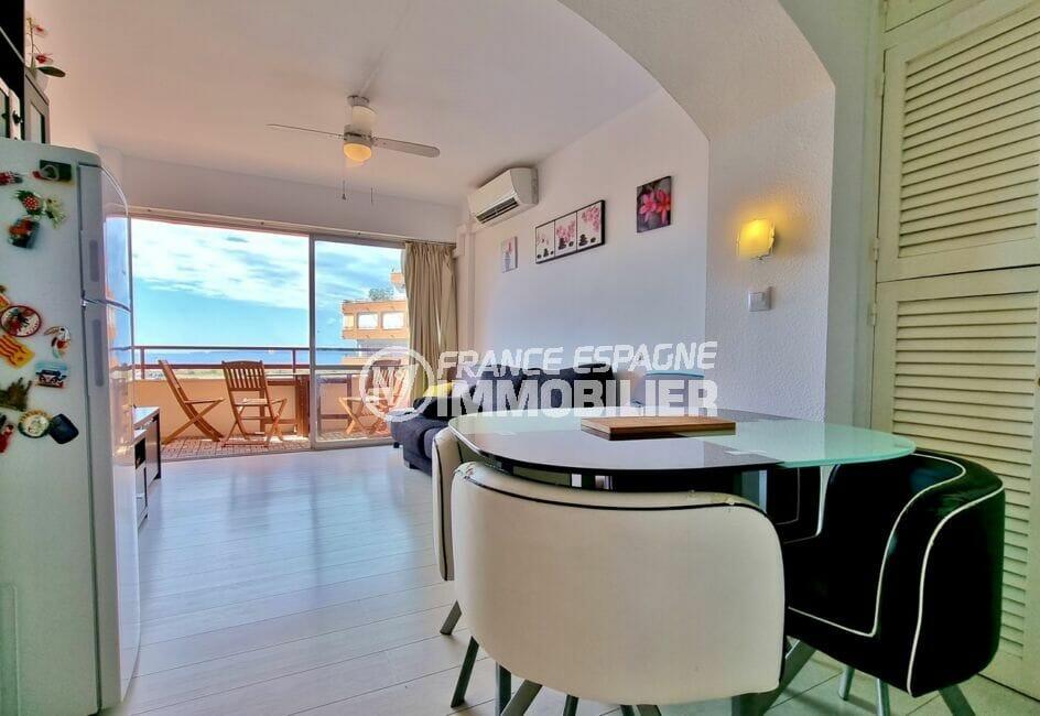 acheter appartement costa brava: studio 35 m², coin cuisine sous alcôve