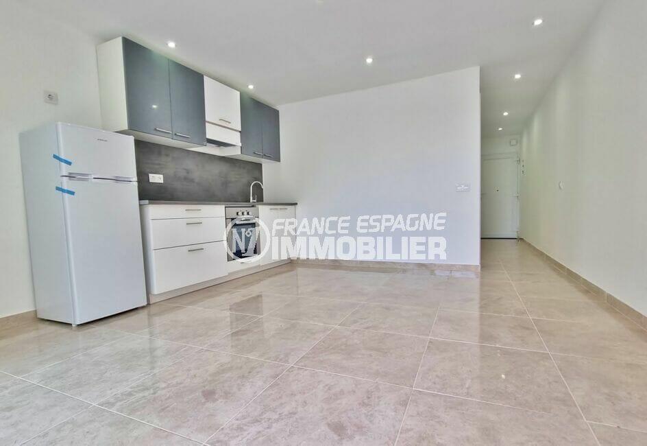 appartement à vendre rosas, 2 pièces 47 m², séjour avec cuisine ouverte