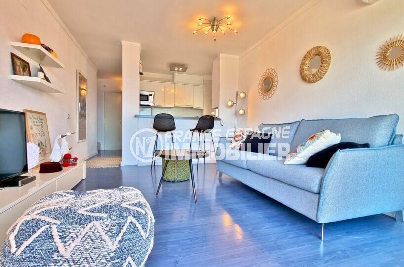 acheter appartement rosas, atico 2 chambres 48 m², séjour avec cuisine américaine