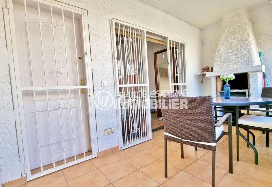 achat maison rosas, 3 chambres 101 m², terrasse couverte avec barbecue et accès séjour
