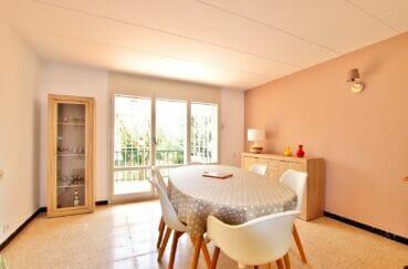 appartements a vendre a rosas, 62 m² 2 chambres, salle à manger avec accès terrasse