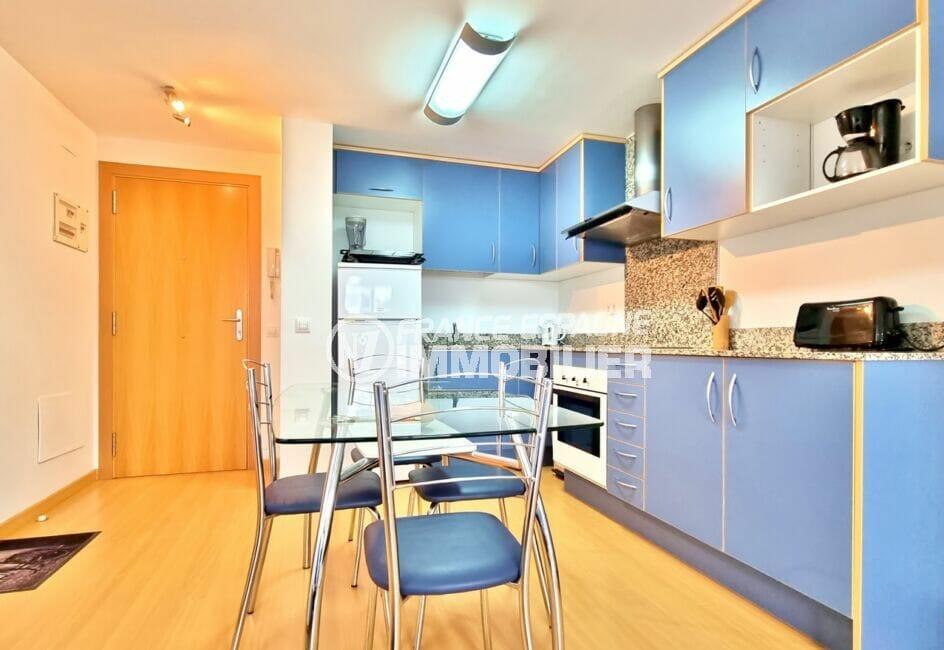 residence santa margarita rosas: appartement 2 pièces 53 m², espace repas et cuisine américaine