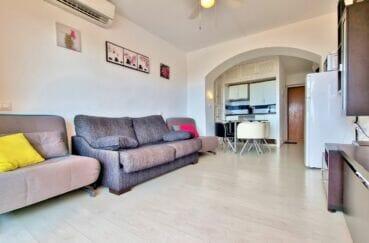 appartement a vendre a rosas: studio 35 m²  avec 2 canapés lits et coin repas