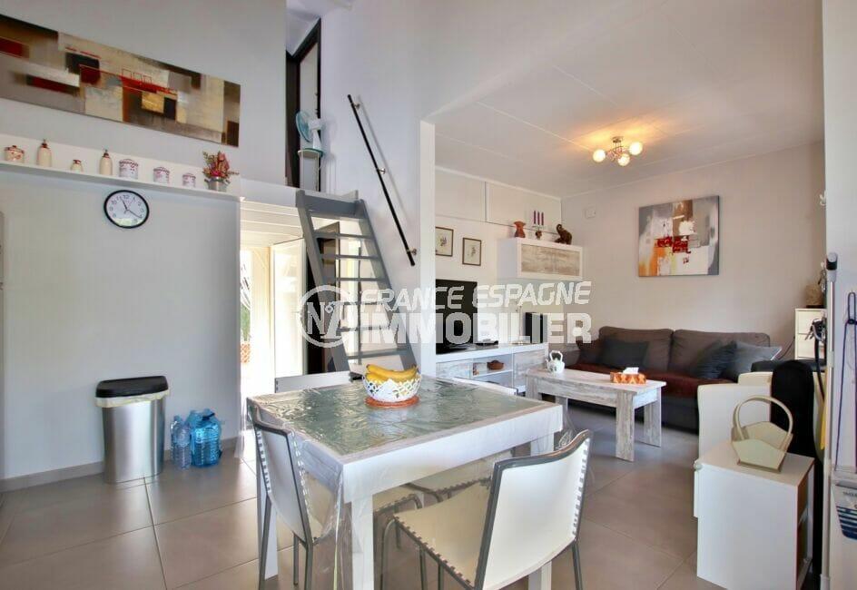 acheter a rosas: villa 3 chambres et magnifique pièce à vivre avec belle hauteur sous plafond