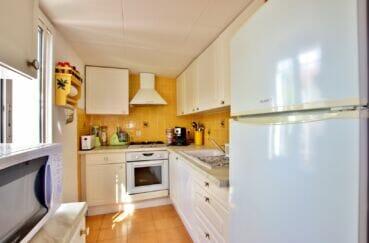 achat roses espagne: villa 3 chambres 55 m², cuisine indépendante aménagée et équipée