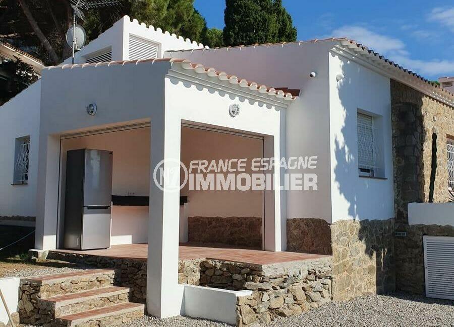 achat maison roses espagne, 3 chambres 140 m², piscine et cuisine d'été