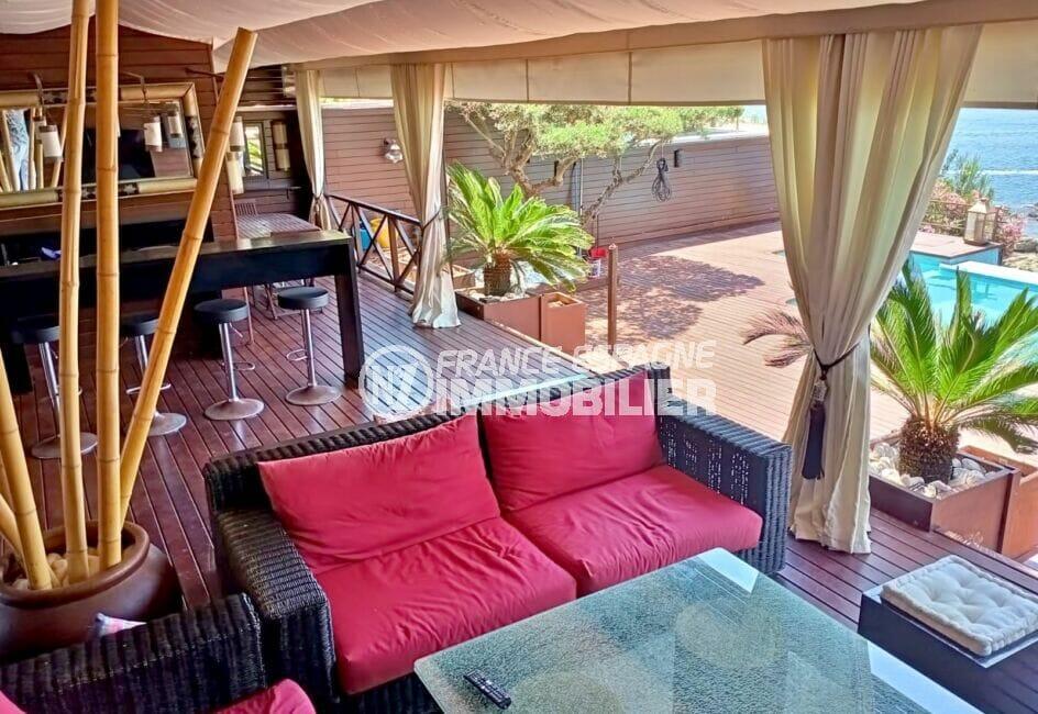 achat maison rosas espagne,227 m² avec terrasse entièrement aménagée, salon de jardin