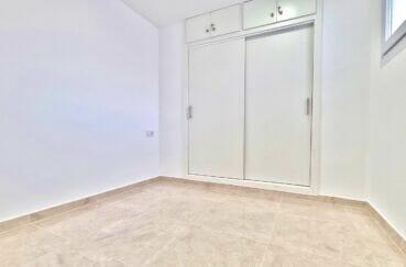 vente immobiliere espagne costa brava: appartement 2 pièces 47 m² rénové, belle chambre avec penderie intégrée