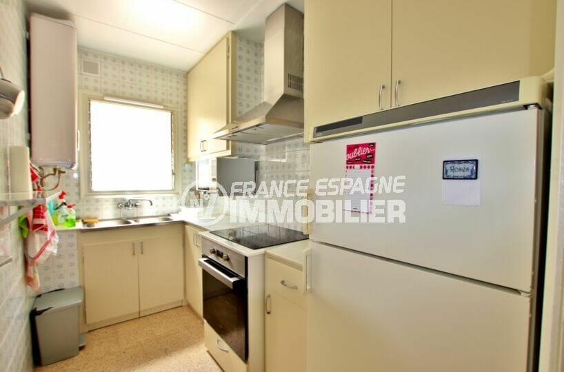appartement a vendre a rosas, 62 m² 2 chambres, cuisine indépendante aménagée