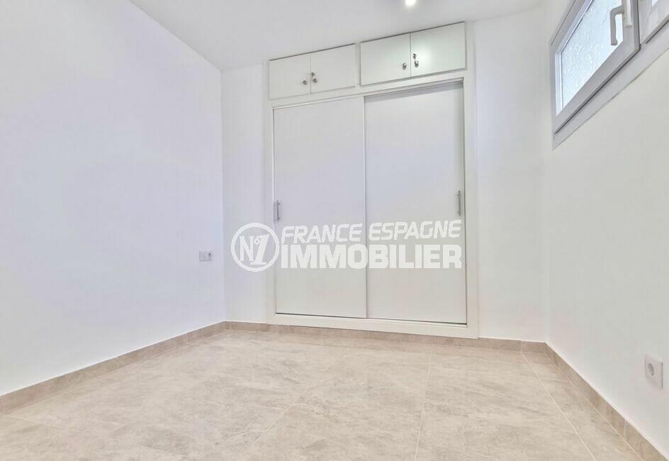 appartement à vendre à rosas espagne, 2 pièces 47 m², chambre avec placards intégrés