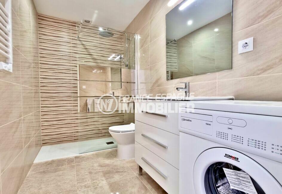vente immobilière espagne costa brava: appartement 2 pièces 47 m² rénové, jolie salle d'eau