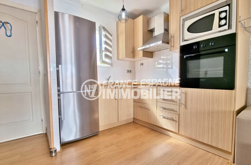 vente immobilière rosas: villa 3 chambres 101 m², cuisine ouverte aménagée et équipée