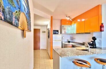 immobilier empuriabrava marina: appartement 40 m² 2 chambres, cuisine équipée, plaques, four, hotte