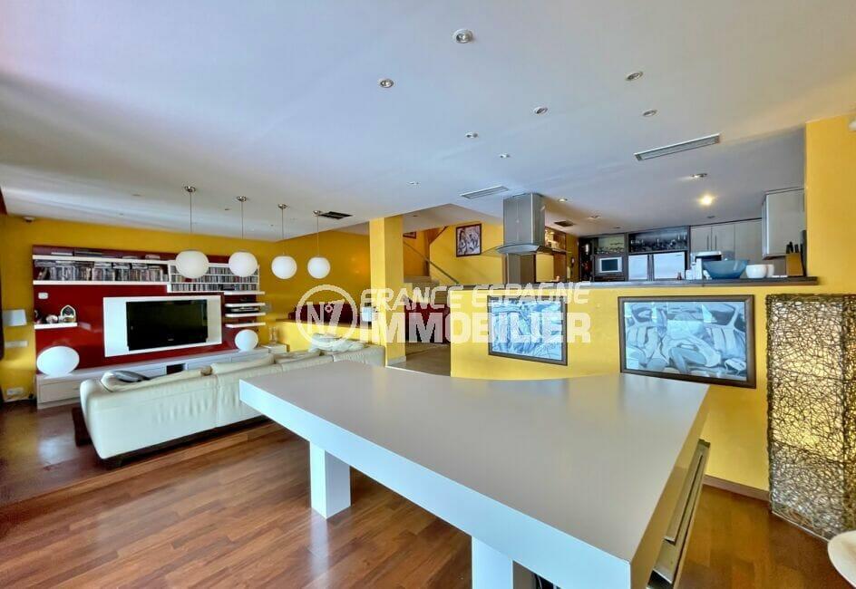 achat maison rosas, 227 m² 3 chambres, salon, salle à manger avec cuisine américaine