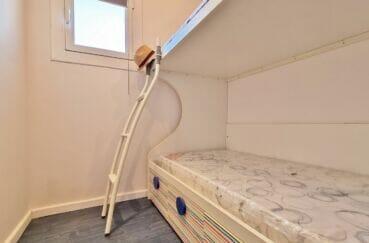 appartement a vendre roses, atico 2 chambres 48 m², chambre enfants