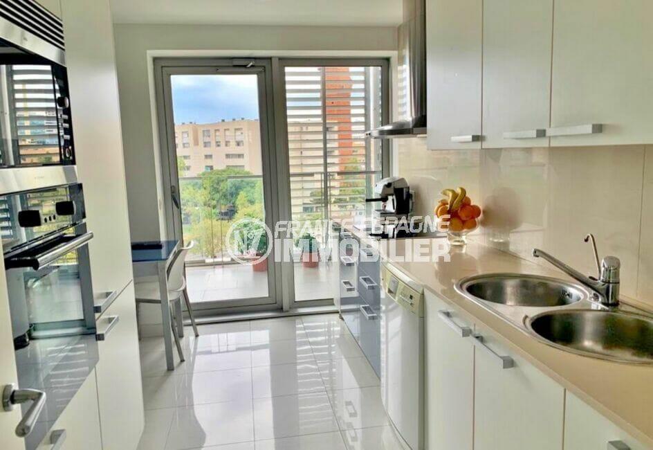appartements a vendre costa brava, 160 m², luxe, 3 chambres, cuisine aménagée et équipée