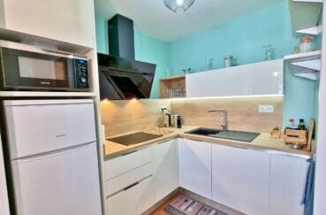 acheter appartement rosas, 2 pièces 48 m², cuisine aménagée et équipée avec nombreux rangements