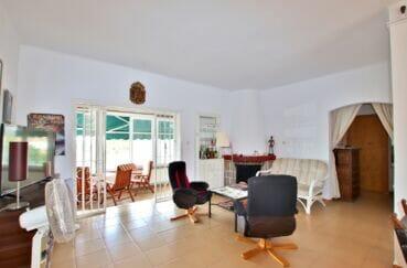 achat maison roses espagne, 4 chambres 135 m², séjour avec cheminée