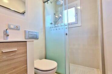 appartement à vendre à rosas, atico 2 chambres 48 m², salle d'eau avec wc