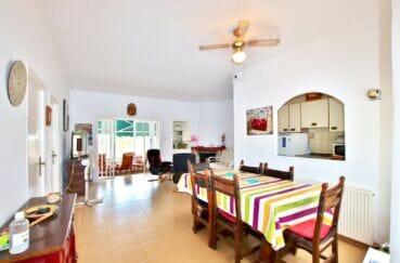 vente maison rosas espagne, séjour / salle à manger avec cuisine ouverte