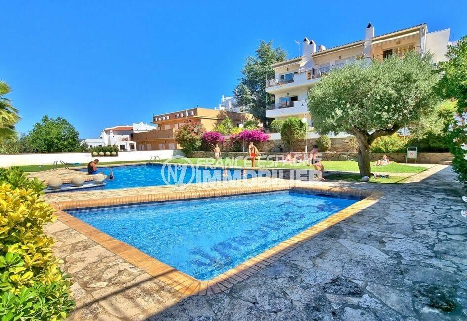 appartement a vendre rosas espagne, atico 2 chambres 48 m², piscine dans la résidence