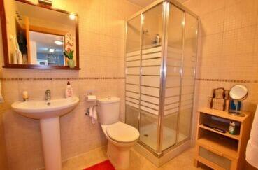 appartement a vendre roses santa margarida, 2 chambres 81 m², salle d'eau avec cabine douche et wc