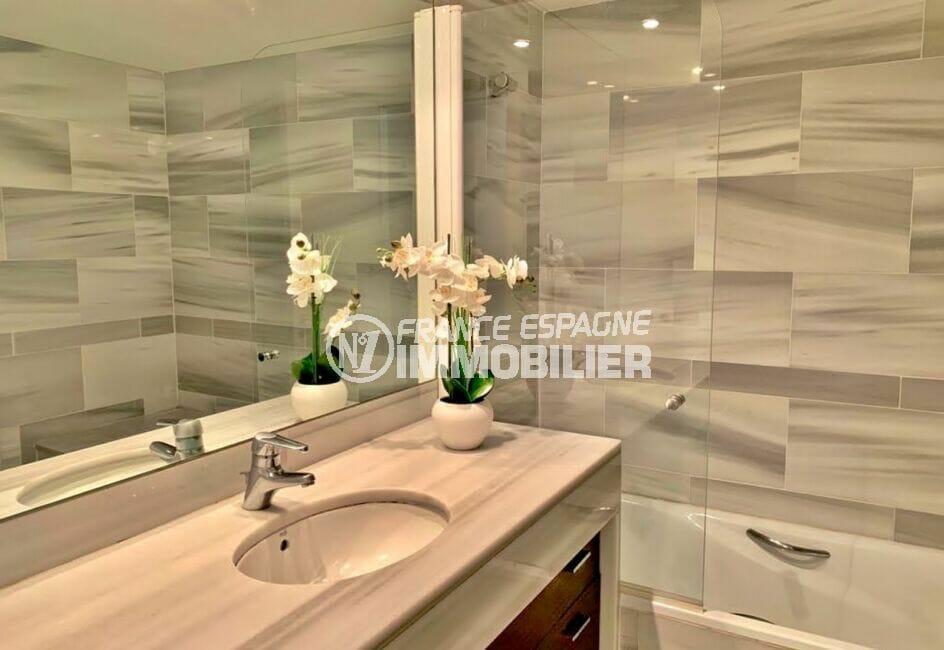 appartement à vendre en espagne costa brava, 160 m², luxe, salle de bain avec baignoire